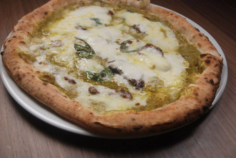 pizza without yeast byPietro Parisi at Era Ora