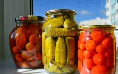 Pickles and preserves in oil