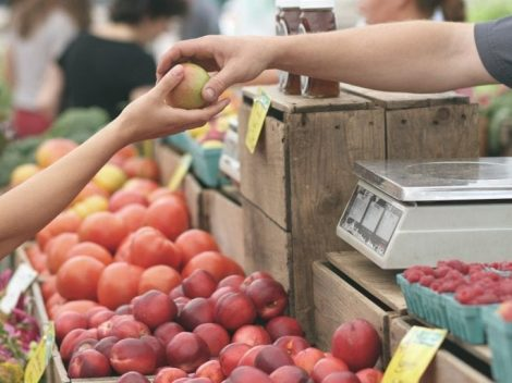 Find out more about farmers' markets in Milan